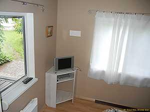 спальня в доме из бытовки