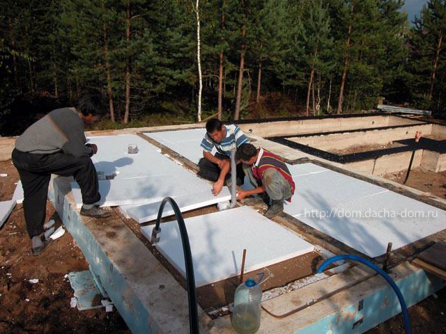 Если часть водоносного пласта, расположенная под дренажем, состоит из песчаных грунтов с коэффициентом фильтрации...