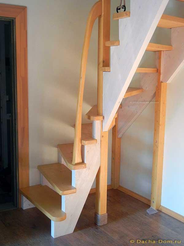 Опорные столбы для угловой лестницы