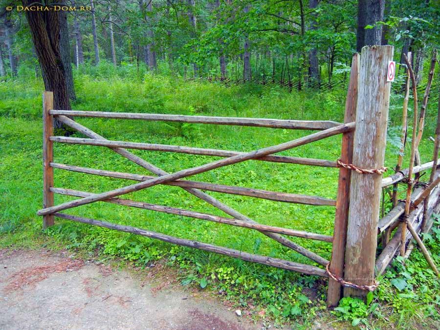 Забор из жердей своими руками