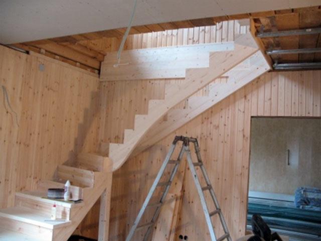 Лестницы своими руками в садовый домик 27