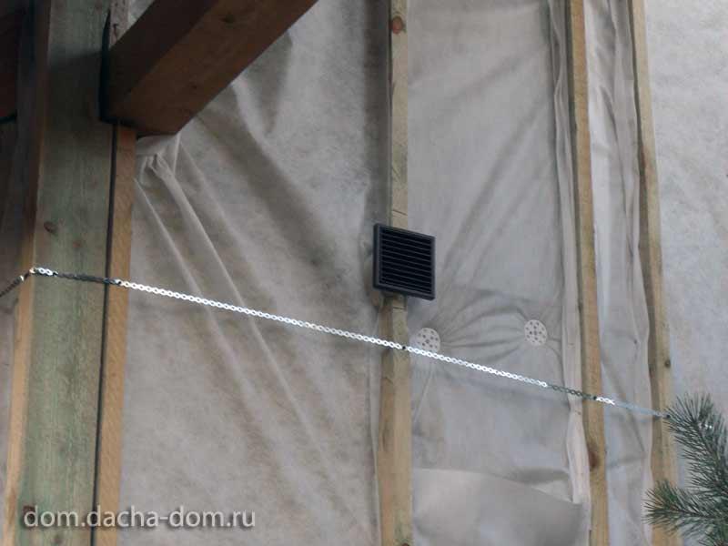 Как сделать вентиляционное отверстие в сайдинге