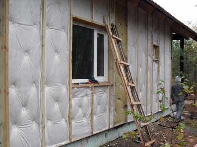 Наружное утепление стен деревянного дома своими руками