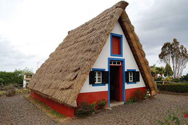 А образный каркасный стиль дома