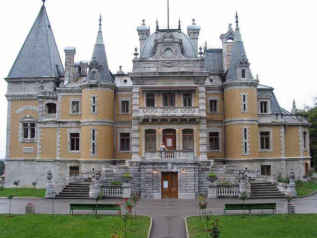 Проект дома в стиле средневековый замок
