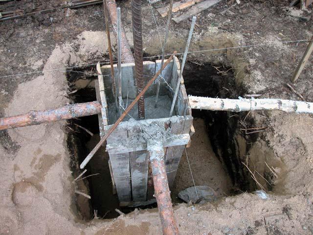 Заливка фундамента под столбы