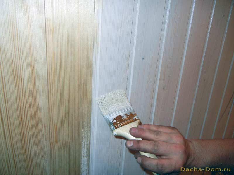 Обшивка стен дома вагонкой.