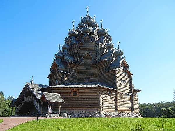 большая деревянная церковь